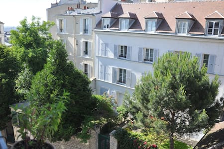 Studio in the heart of Montmartre!