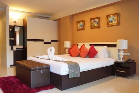 Ao Nang Mountainview Hotel, Krabi - Ao Nang - Bed & Breakfast