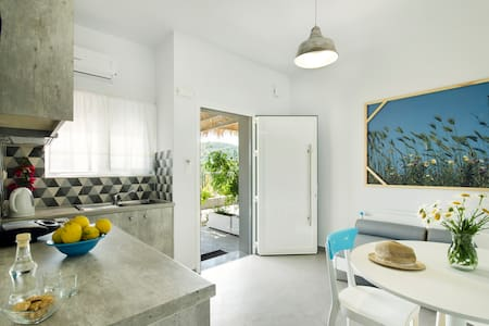 Kallimento apartments is a property completely handmade by Dilaveraki family.It is 5 minutes' walk from the city centre or the beach.Located in Kissamos, the perfect town if you want to visit some of the most beautiful beaches in the world.