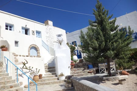 Traditional house - Plaka village - Plaka - House