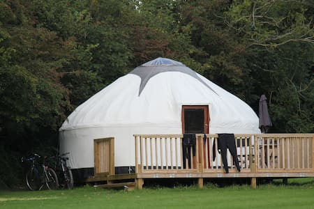 Luxury Cornish Yurts with Hot Tub - Khemah Yurt