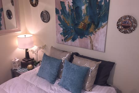 Modern bedroom, comfortable, centrally-located - Gallup - Huis