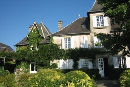Maison d'hotes de Maury - Şato