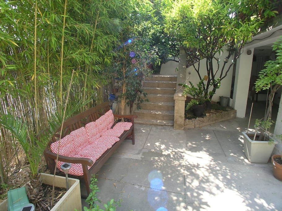 Beautiful Room 2 in Garden Level