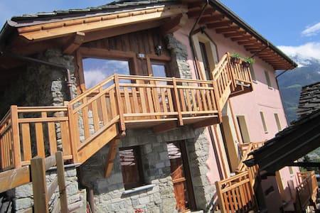 Casa Rosa - Quart - Wohnung