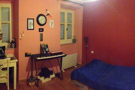ROOM IN CORFU OLD TOWN