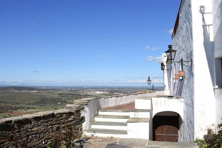 MAGNIFICENT PROPERTY IN THE VILLAGE - MONSARAZ - Monsaraz