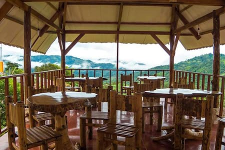 LODGE IN THE MOUNTAIN - Inap sarapan