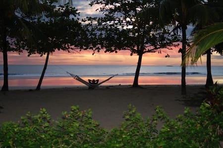 Playa Grande Costa Rica Oceanfront - Playa Grande - Hus