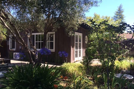 Wine Country Cottage - Saint Helena - Bungalow