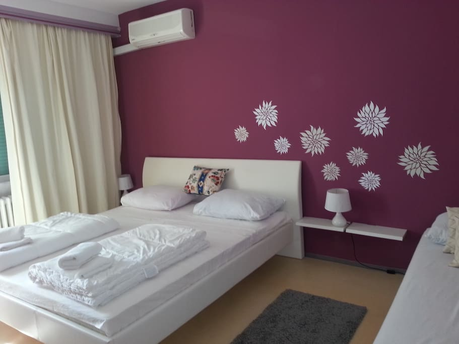 Zizi Guesthouse - 3-bed deluxe room