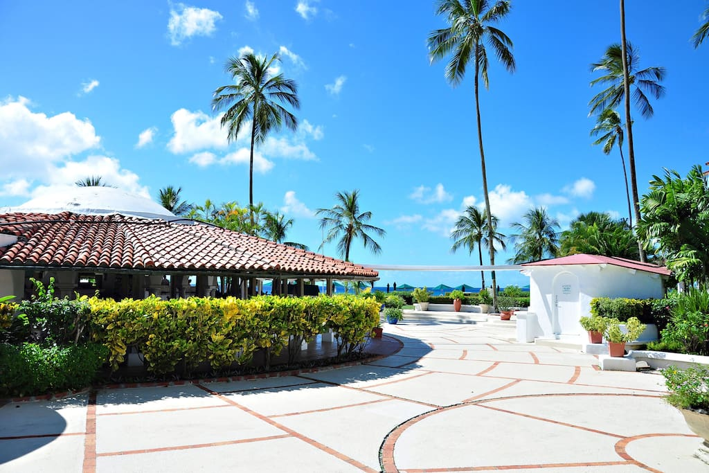 Glitter Bay Estate - Being at this gated community will offer you security along with unbeatable gardens and amenities