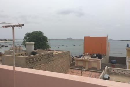 Nice Artsy House With Ocean View. SAFE - Sal Rel - Casa
