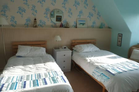 Family run B&B quiet backwater (Triple) - Bed & Breakfast