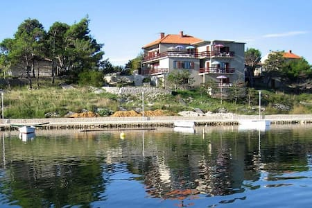 One bedroom apartment with terrace and sea view Nin, Zadar (A-6153-b) - Nin