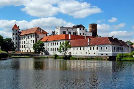 Apartmán v centru města v těsné blízkosti zámku - Jindřichův Hradec