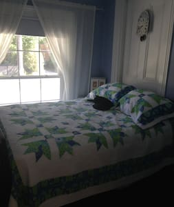 Blue Room $59 @ The Butter Barn B & B in Waterford - Bed & Breakfast