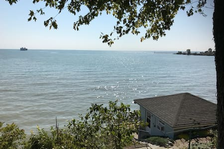 Small lake house on Lake Erie shore - Kingsville - Srub