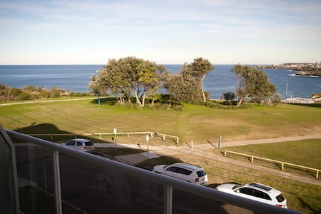 Private Room Front Ocean - Coogee - Apartment