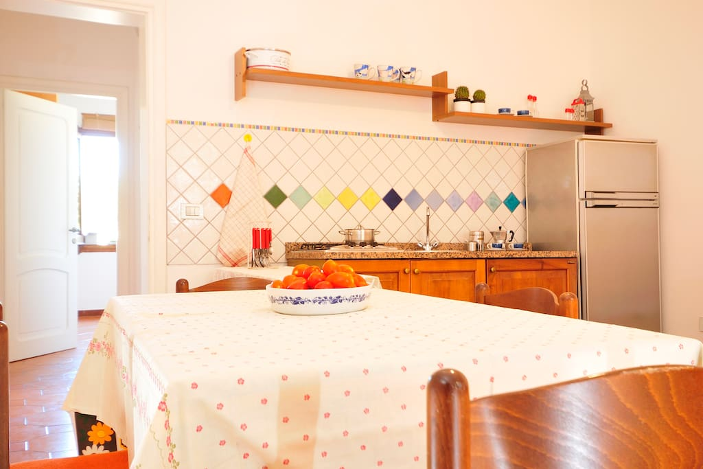 In villa, a Cala Moresca 2 di 3 app