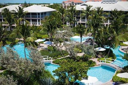 Cozy Condo with Resort Amenities