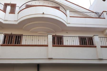 Affittasi trilocale 4 posti letto - Apartmen