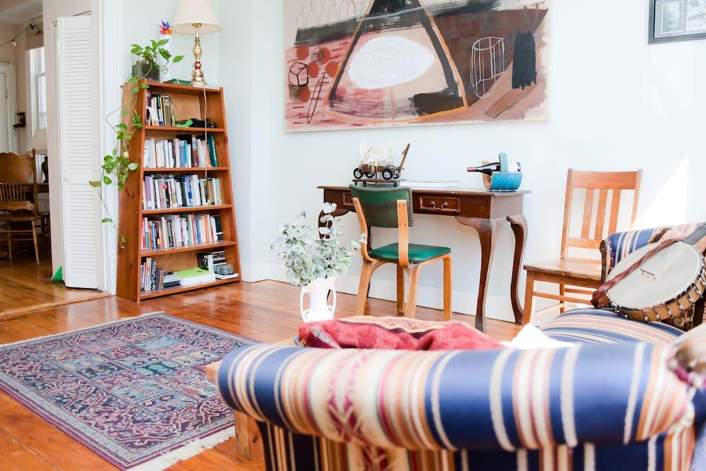 bookshelf with plenty o good reads