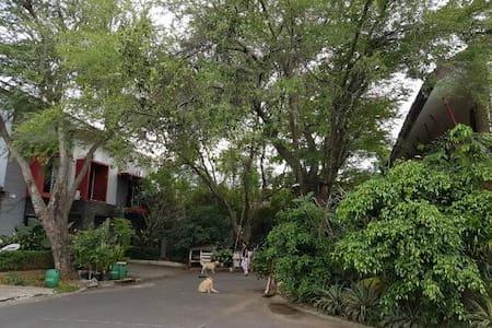 Gallery Guest House Meadow Green Lippo Cikarang - Pensione