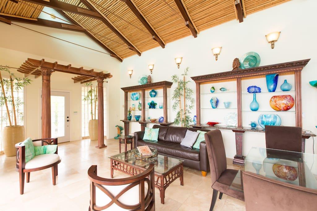 Luxury Oceanfront Paradise Getaway