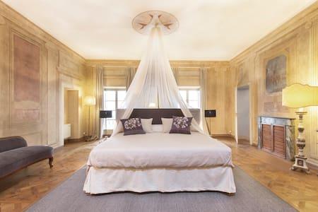 Romantic and luxury Suite Reale in Cortona center - Cortona - Bed & Breakfast