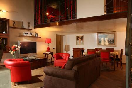 Stunning 2 bdrs apartment, Pantheon