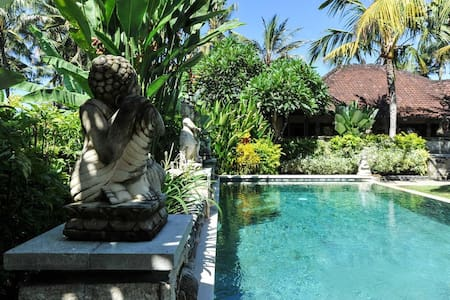 Villa beach front - Blahbatuh