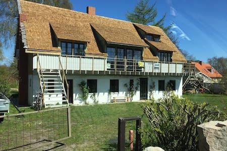 charmerende hus i fantastisk natur - Grenå - Casa