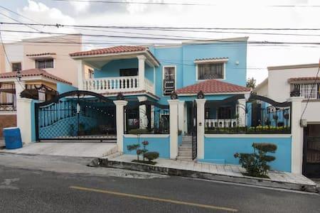 Mi Casa Su Casa,  Sweet Island Life - House