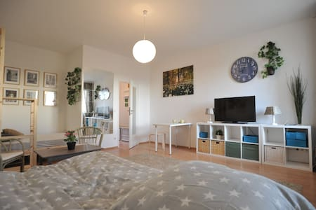 Apartment for 4 in Berlin Center