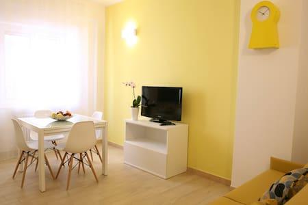 Appartamento nuovo 300 m dal mare - Apartment