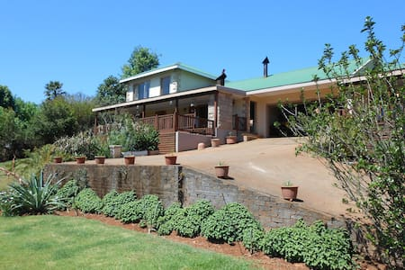 Two Falls View SC Guest House-BVFS - Appartamento