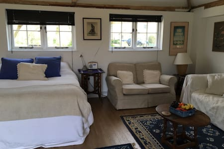 Private comfortable retreat - Bed & Breakfast