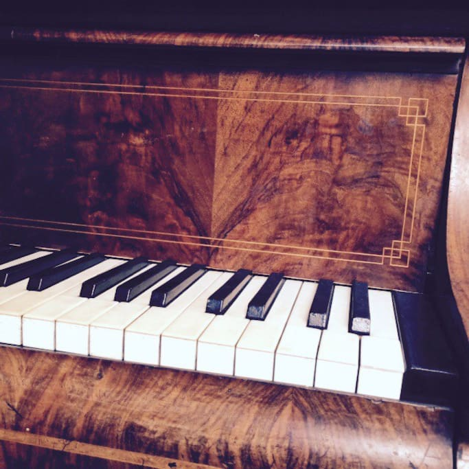 The piano (not tuned....)