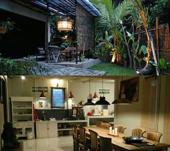 Rumah Lotus, a home for 6 persons! - Bantul