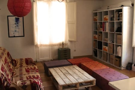 Double room on Raval near Rambla