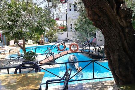 KASTRO ST & APT - Ierapetra - Daire