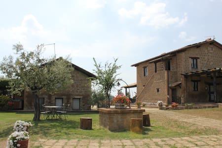 Borgo NociQuerceto, apt. 3 camere - tarano - Huoneisto