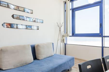 1BD Suite w Sea View & free parking - Apartment