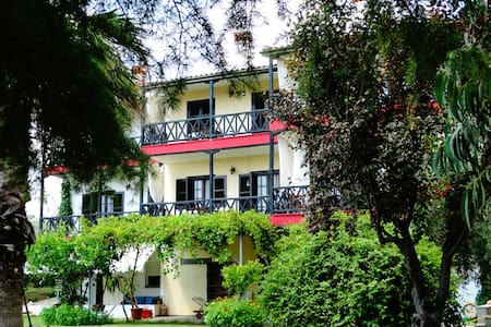 Summer private apartments Karpetis - Apartamento