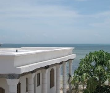 Sleep with the sound of the waves on the beach - Ilha de Moçambique - Bungalow