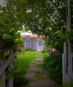 Artist Residence and Organic Farm - La Villita - Rumah