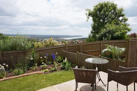 Tranquil haven, stunning sea view - Newhaven - House