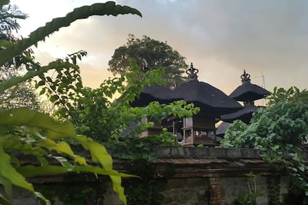 """Eat Pray Love"" Liyer House Melati - ubud - Bed & Breakfast"