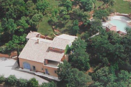 Villa 1400 Vallon des Folies - Rumah
